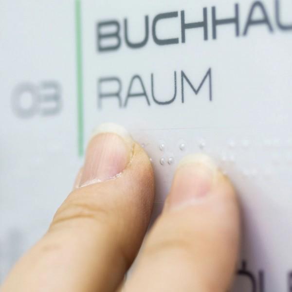 Klebestreifen mit geprägter Punktschrift, 1,5 cm