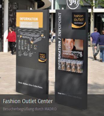 Werbepylone Referenz Outlet Center